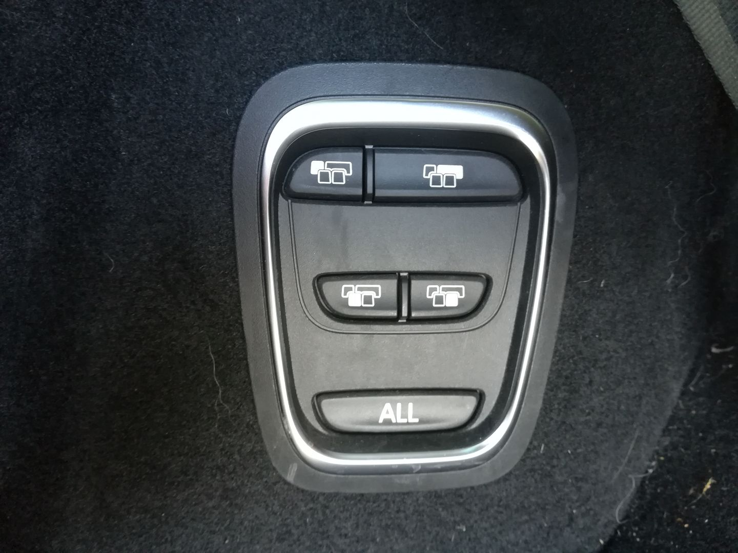 RENAULT GRAND SCENIC IV 1.7 BLUE DCI 120CH INTENS EDC